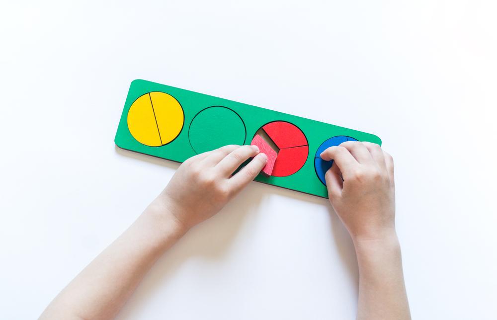 Fraction tiles for learning first grade math
